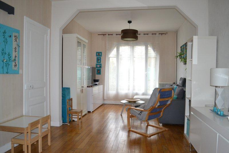 maison des ann es 20 enti rement r nov e saint germain immobilier. Black Bedroom Furniture Sets. Home Design Ideas